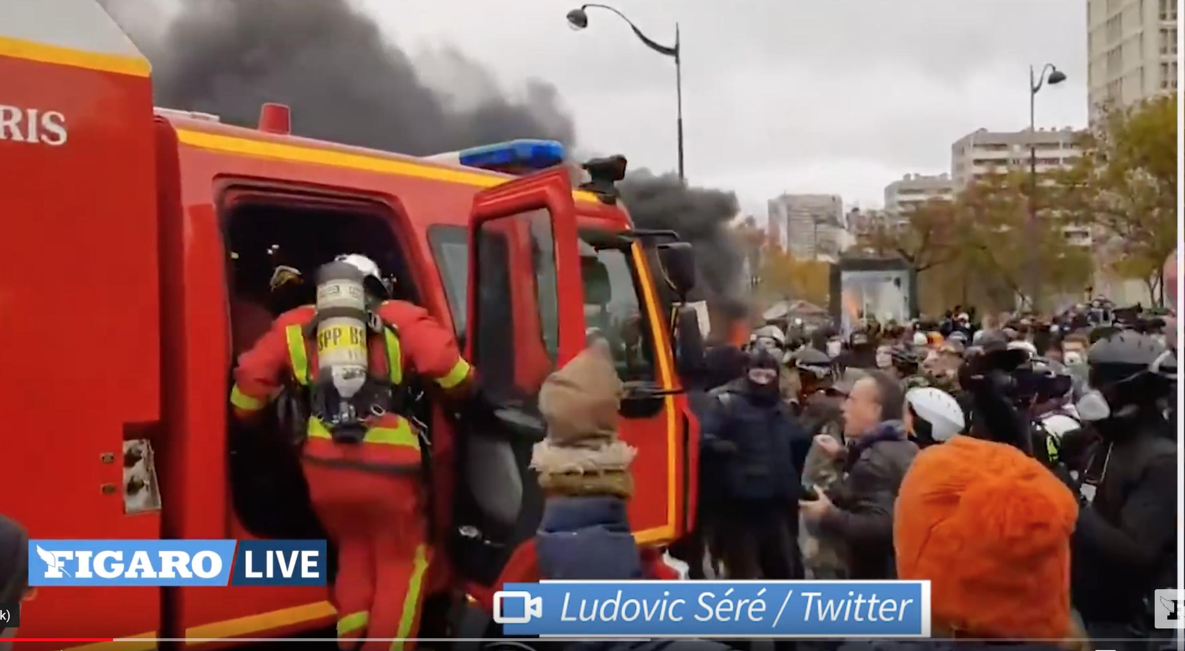 L'Etat macronien éborgne une Florina mais n'est pas capable de protéger ses pompiers ! Scène hallucinante