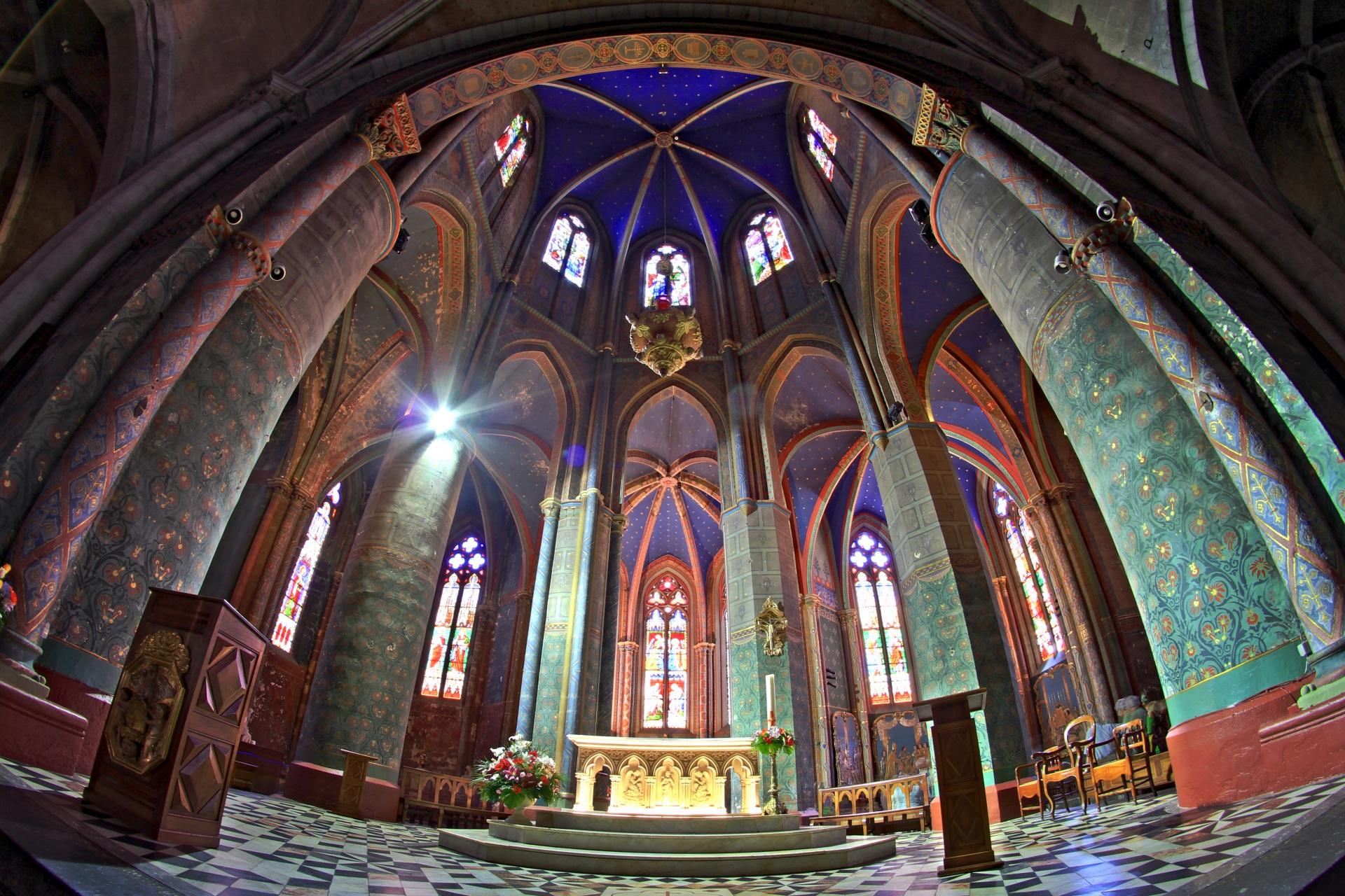 La cathédrale d'Oloron-Sainte-Marie vandalisée, le trésor volé