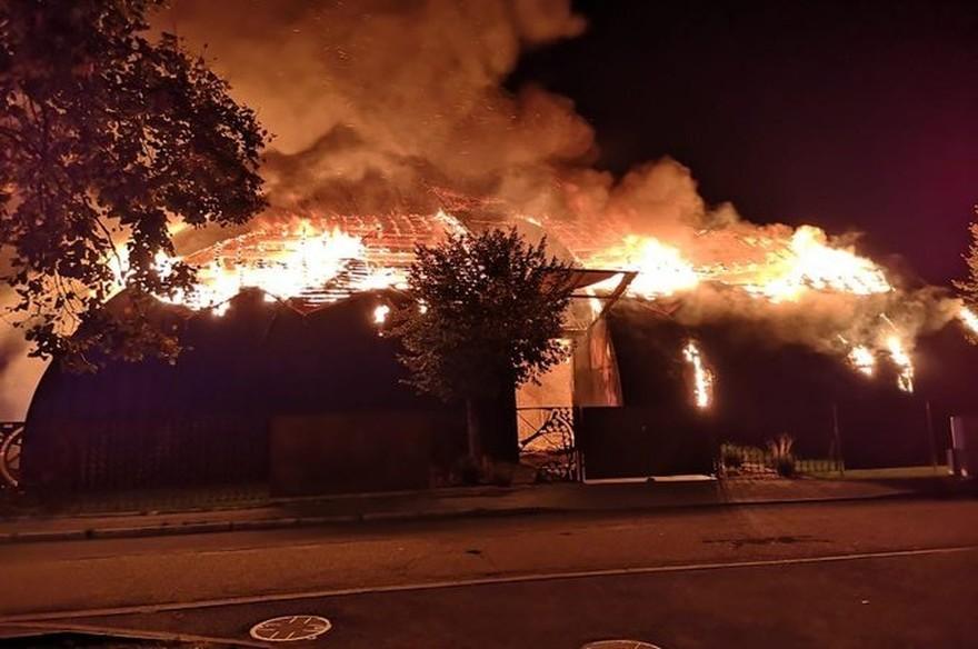 Pourquoi le cirque de Chanteloup-les-Vignes a été incendié et sera encore incendié