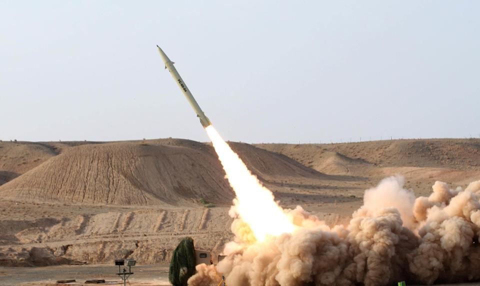 L'Iran contre-attaque en bombardant des bases américaines en Irak