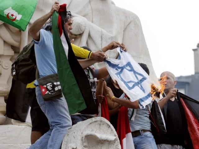 Antisémitisme : le pape accuse les populistes, Salvini les musulmans