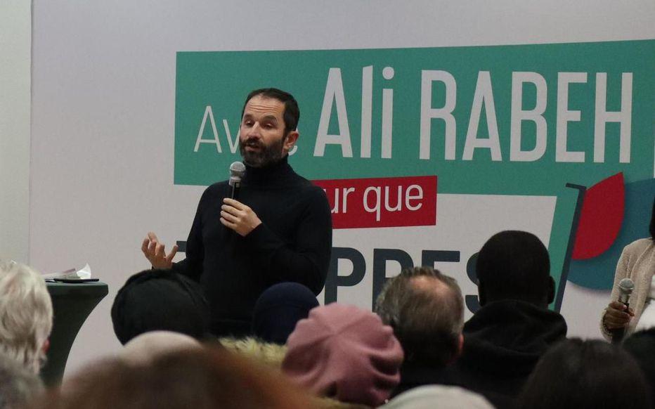 Les Français ne veulent plus de Benoît Hamon ? Il se venge en soutenant Ali Rabeth à Trappes !