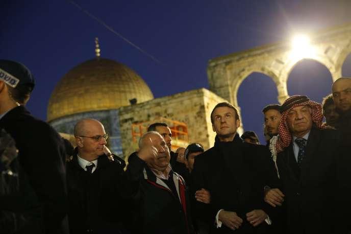 Macron, l'antisémite d'extrême-droite,  a accusé Israël d'instrumentaliser la Shoah !