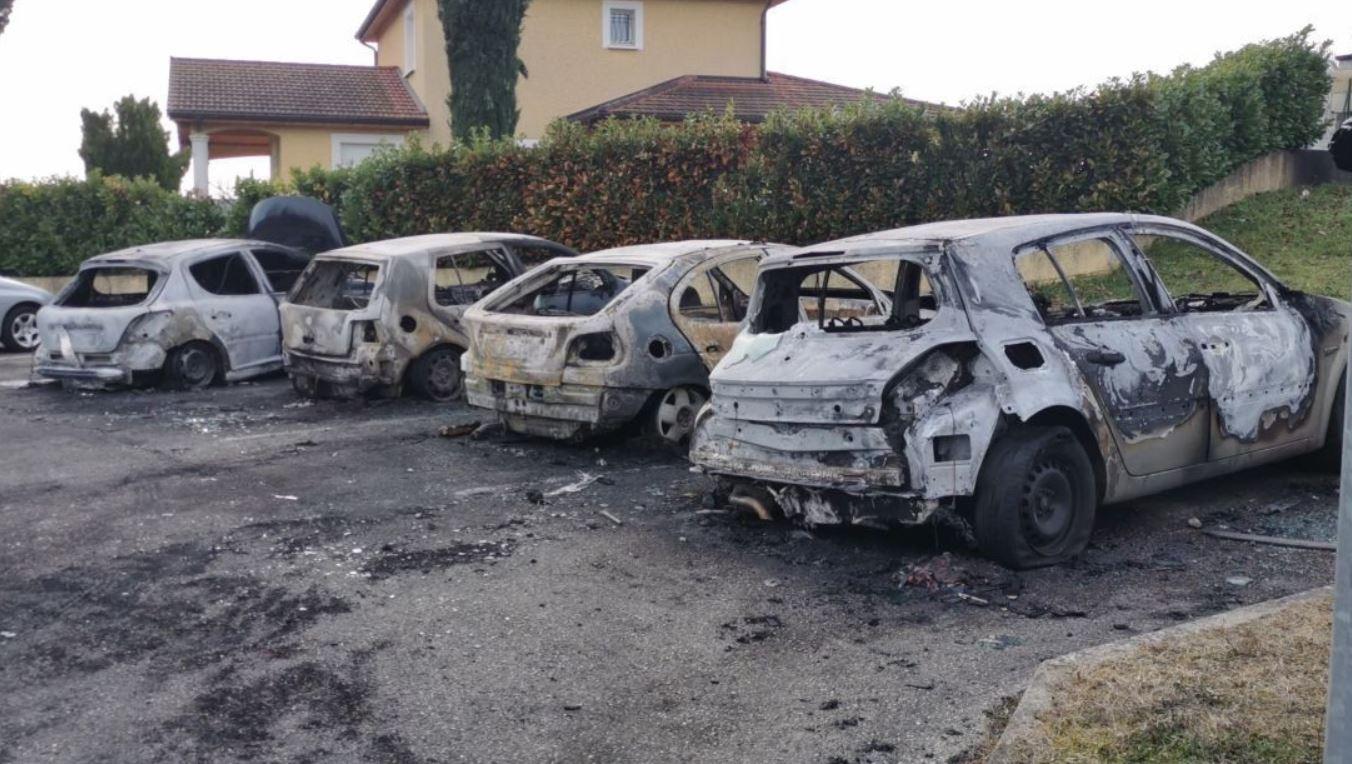 Un «commando» brûle 35 voitures à l'Isle d'Abeau. Avaient-elles blasphémé ?