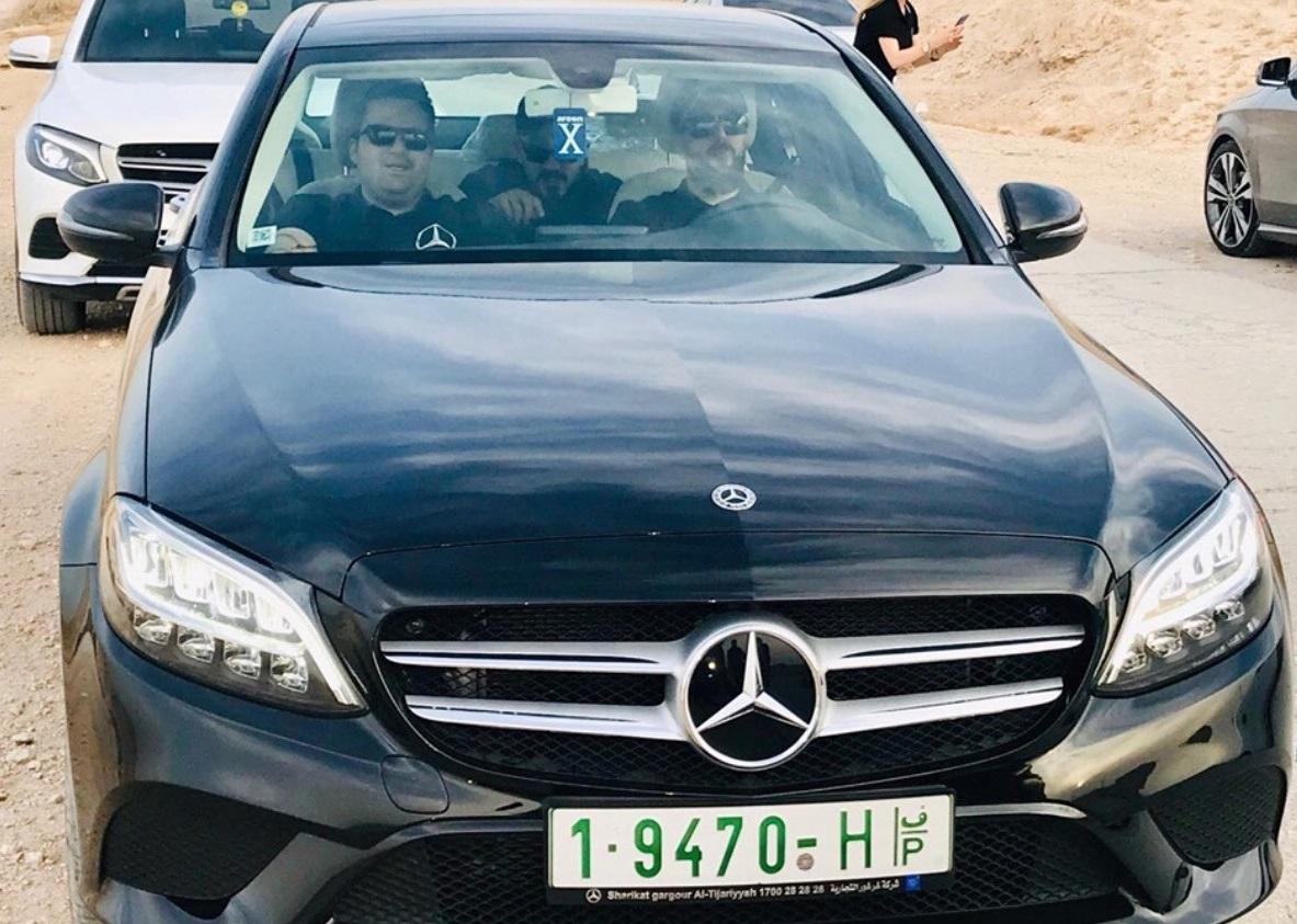 Les Palestiniens roulent-ils tous en Mercedes ou en BMW ?