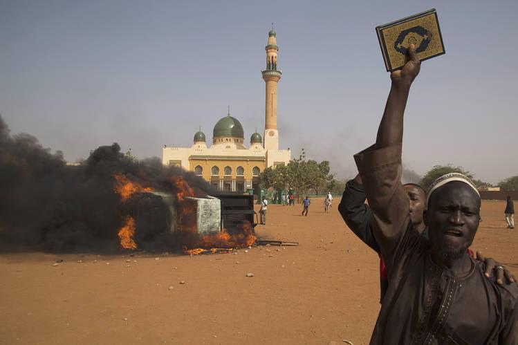 La France ressemble de plus en plus au Niger aux mains des islamistes….