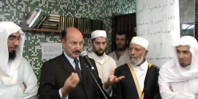 Scandale : Jacques-Alain Bénisti, le maire LR de Villiers-sur-Marne, a fait alliance avec les salafistes