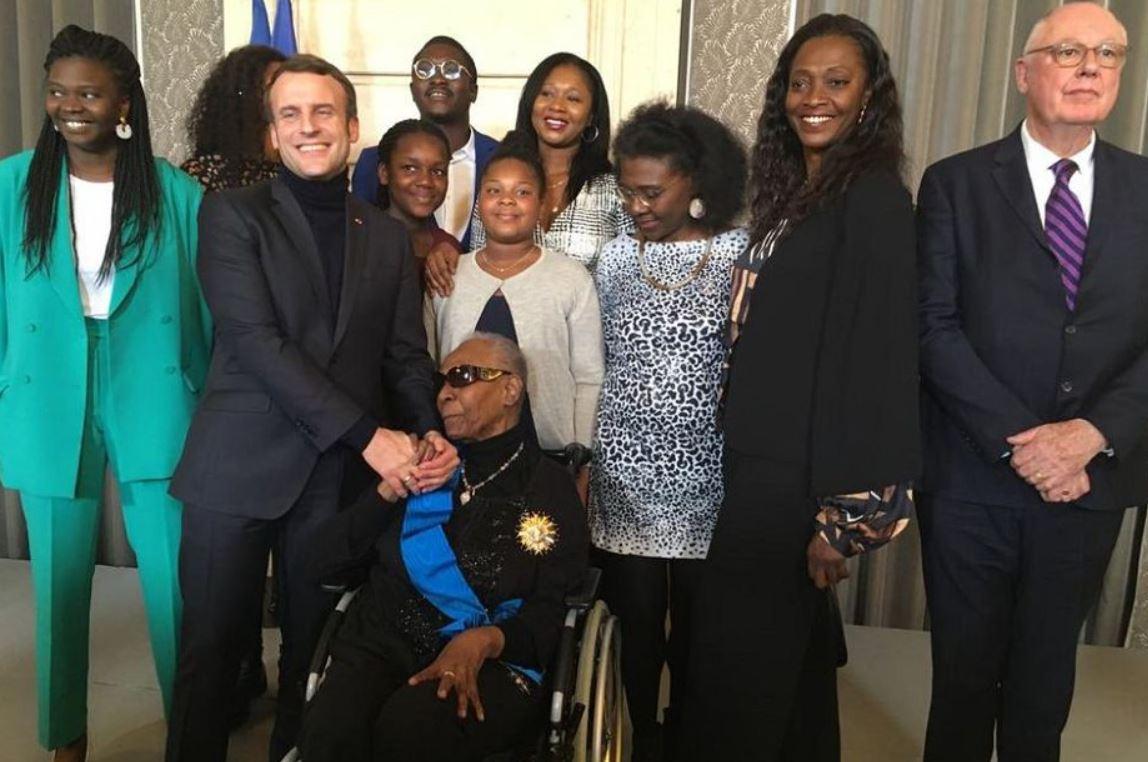 Macron décore Maryse Condé, une indépendantiste guadeloupéenne qui lui a «appris l'Afrique»