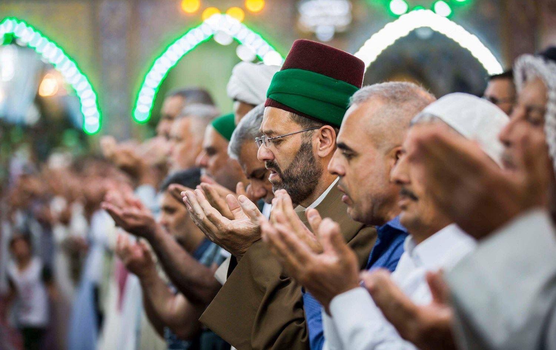 Fatwa du cheikh Abou Noomen : les musulmans infectés doivent tousser sur les mécréants pour les contaminer