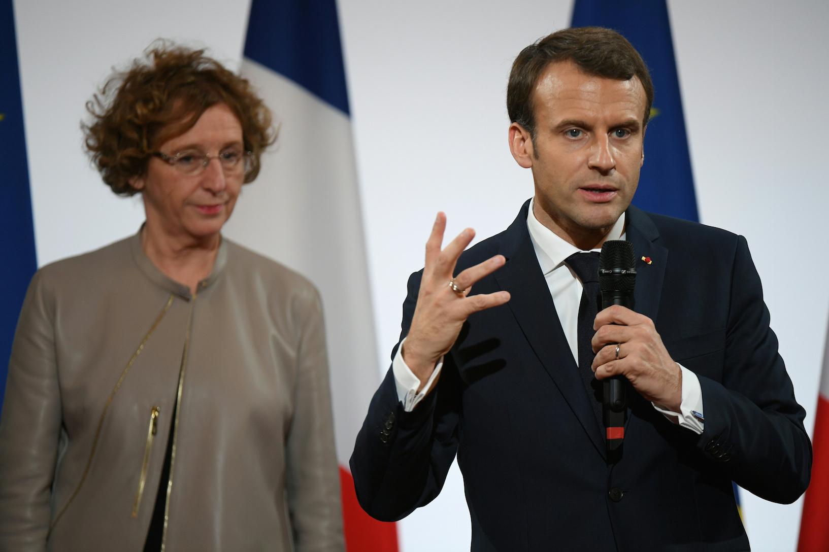 Actionnaires contents de Macron : votre patron peut vous faire travailler 60 h par semaine, dimanche compris
