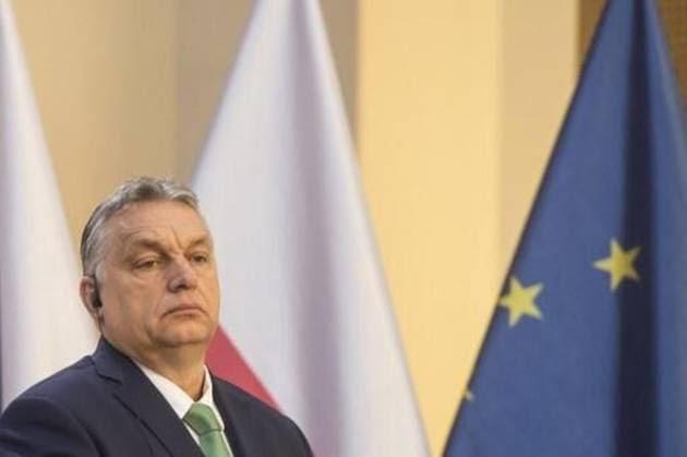Pleins pouvoirs : Orban balaie les critiques et instaure le confinement