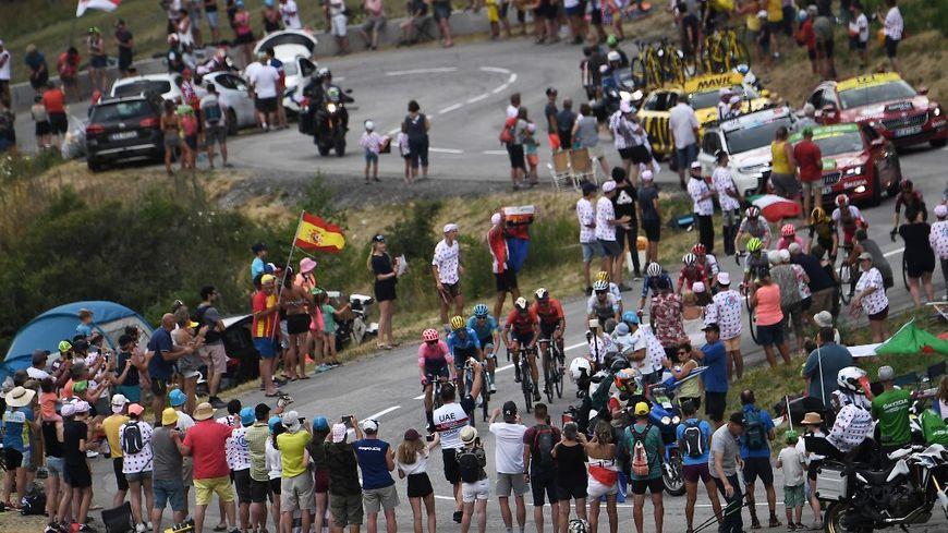 Tour de France… à huis-clos ! Roxana Maracineanu remporte le concours Lépine de la connerie