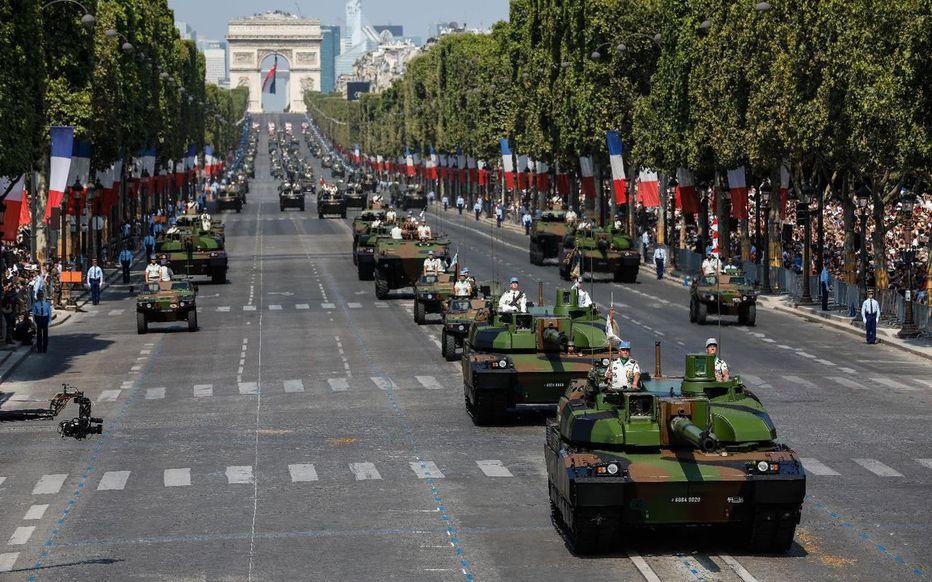 Macron interdit la fête de la nation le 14 juillet, il veut fêter les 30 000 morts que la France lui doit ?