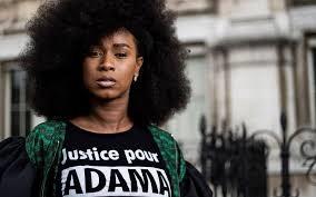 La Traoré veut inscrire «le privilège noir» et le nom de sa petite frappe de frère dans l'histoire de France…