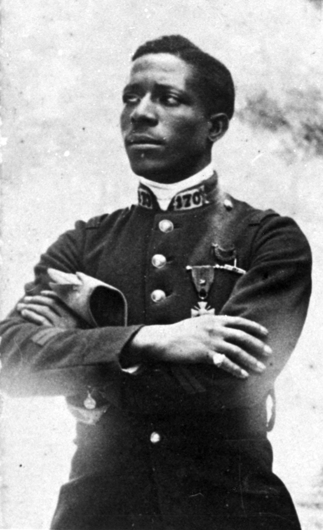 Notre passé n'a rien à voir avec celui des USA : l'histoire oubliée du premier Noir américain  pilote de chasse