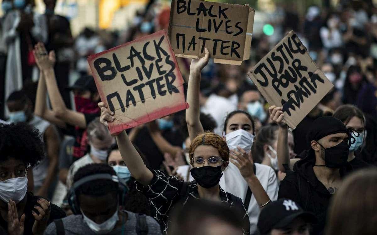 Hier de jeunes Blancs manifestaient pour Adama Traoré avec des pancartes «Black Lives Matter»