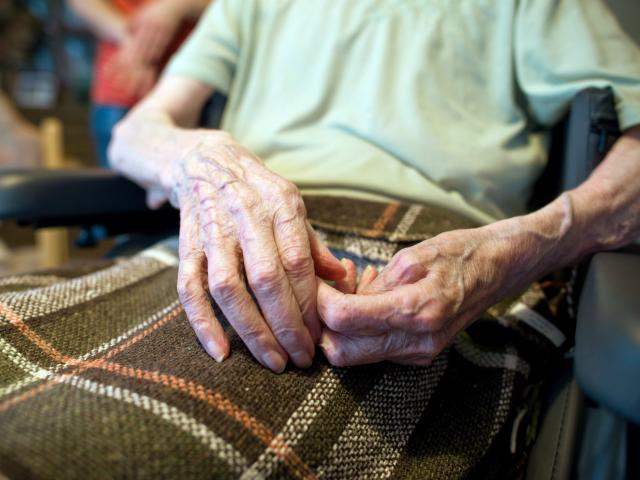 Suède : la vieille dame en maison de retraite n'a pas mangé… personne n'y parlait suédois !