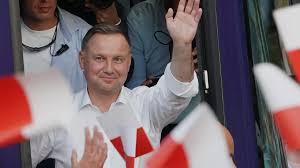 Duda a gagné mais, comme Marine, il doit créer un parti allié destiné aux jeunes pour une coalition à venir