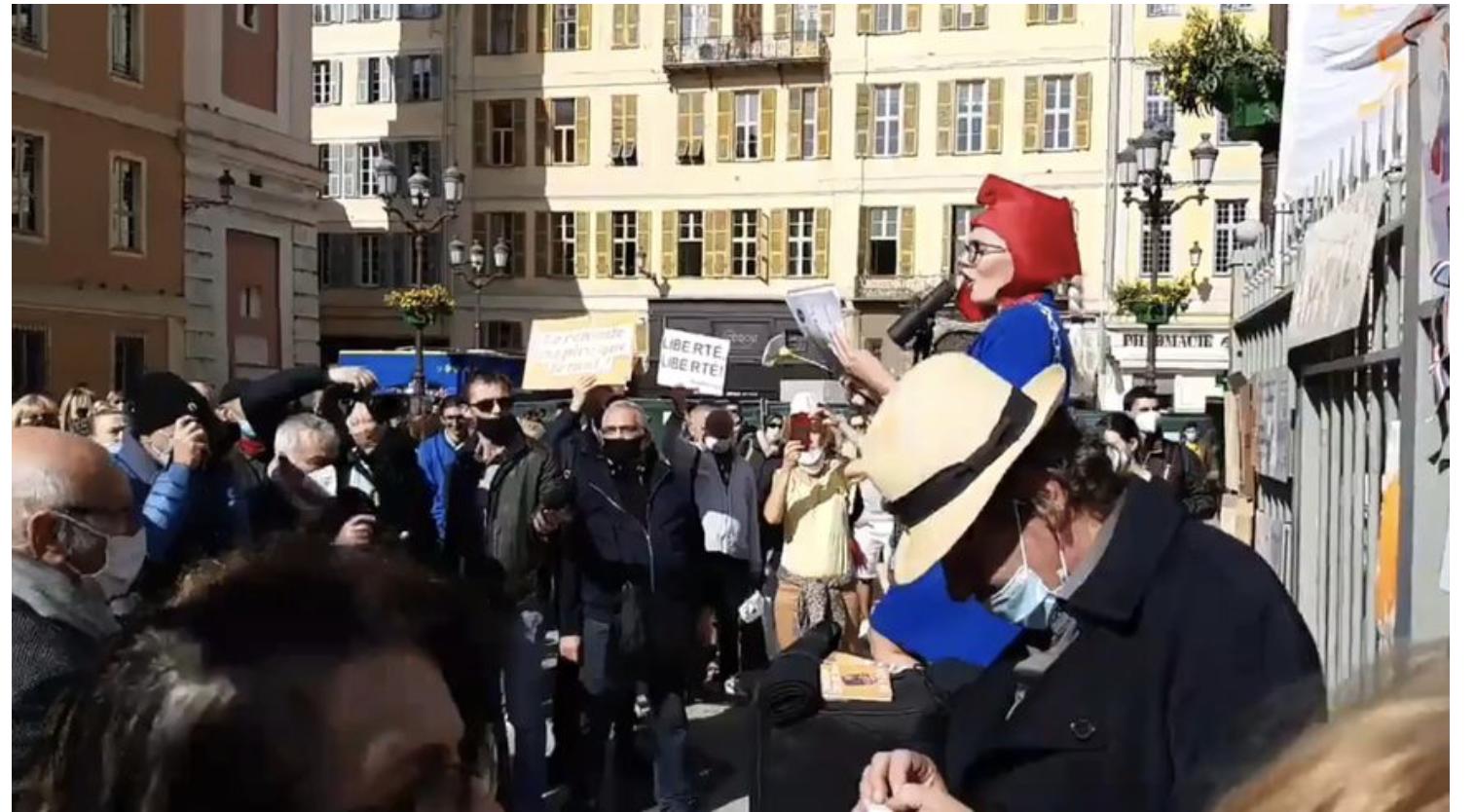 Des centaines de personnes à Nice pour réclamer la liberté à l'appel de Philippot